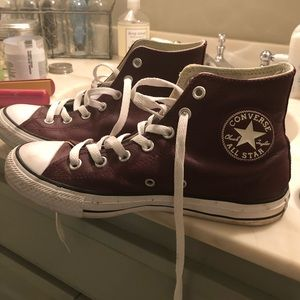 Hightop Converse- Burgundy Leather
